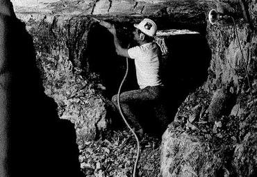 Underground Mining at Lightning Ridge
